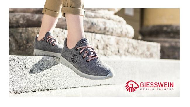 Giày nỉ siêu nhẹ không cần đi tất vẫn không bị hôi chân - Ảnh 2.