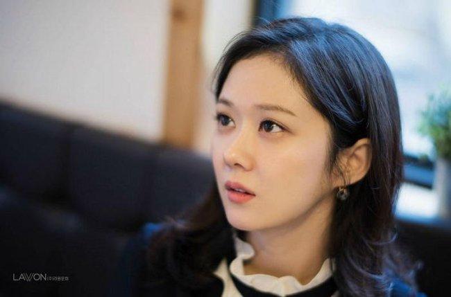 Ai tin nổi đây là nhan sắc bao năm vẫn không đổi của Jang Nara ở độ tuổi U40? - ảnh 7