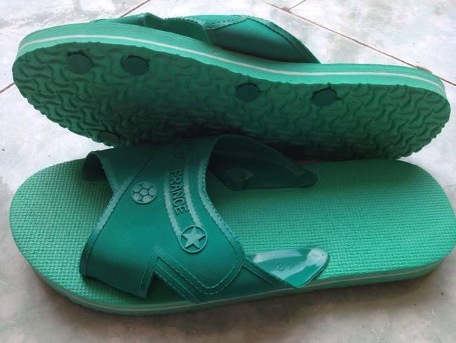 Trước khi có giày ngoại, thiên hạ này vẫn là của sandal Bitis, giày Bata Thượng Đình... - Ảnh 14.