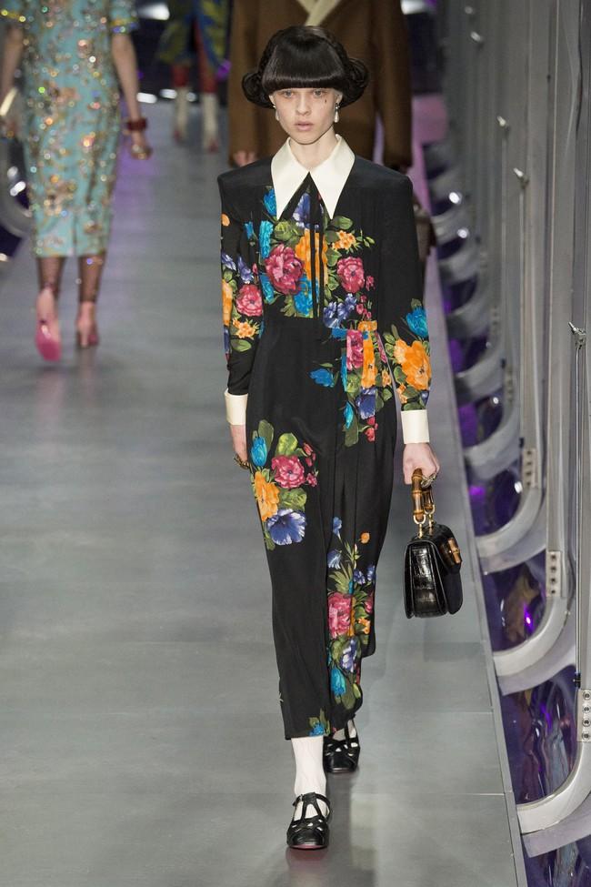 HOT: Hồ Ngọc Hà diện đồ sexy giá hàng trăm triệu, vui tươi tạo dáng bên Tom Hiddleston tại show Gucci - Ảnh 28.