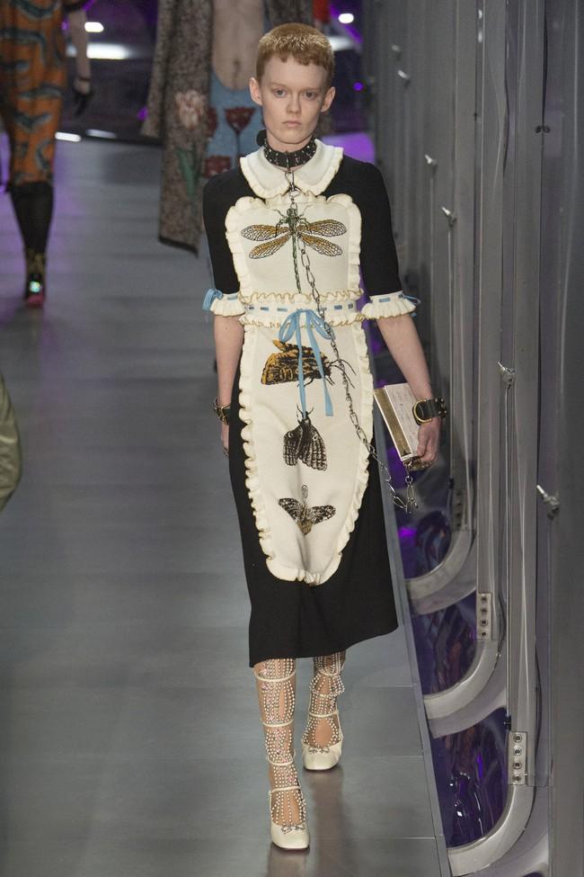 HOT: Hồ Ngọc Hà diện đồ sexy giá hàng trăm triệu, vui tươi tạo dáng bên Tom Hiddleston tại show Gucci - Ảnh 33.