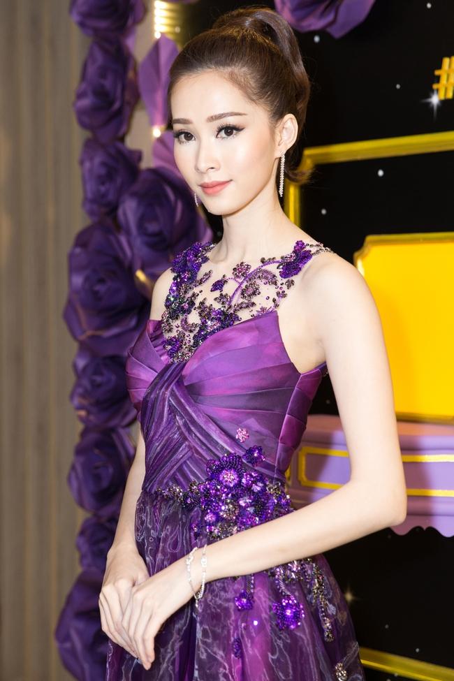 Giữa tranh luận về clip nói tiếng Anh, Hoa hậu Thu Thảo chính thức lên tiếng - Ảnh 2.