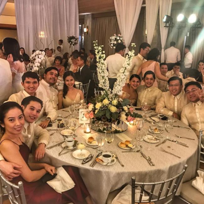 Thêm hình ảnh hiếm hoi bên trong đám cưới hoa lệ, sang chảnh của chị chồng Tăng Thanh Hà - Ảnh 10.