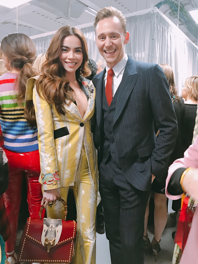 HOT: Hồ Ngọc Hà diện đồ sexy giá hàng trăm triệu, vui tươi tạo dáng bên Tom Hiddleston tại show Gucci - Ảnh 3.