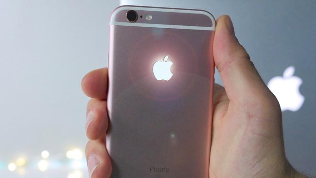 Logo táo trên iPhone phát sáng thì rất đẹp, nhưng sao Apple không làm điều này? - Ảnh 2.