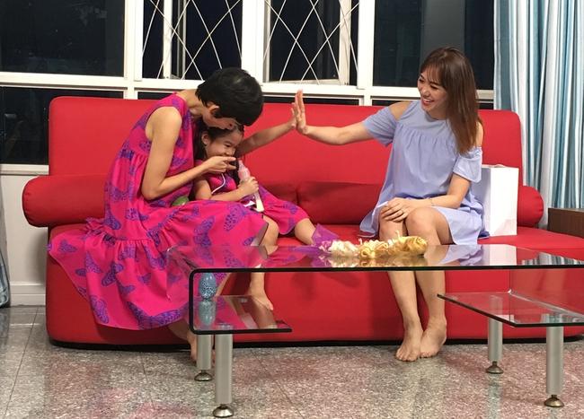 Xuân Lan truyền kinh nghiệm vượt lên thị phi cho Hari Won - Ảnh 2.