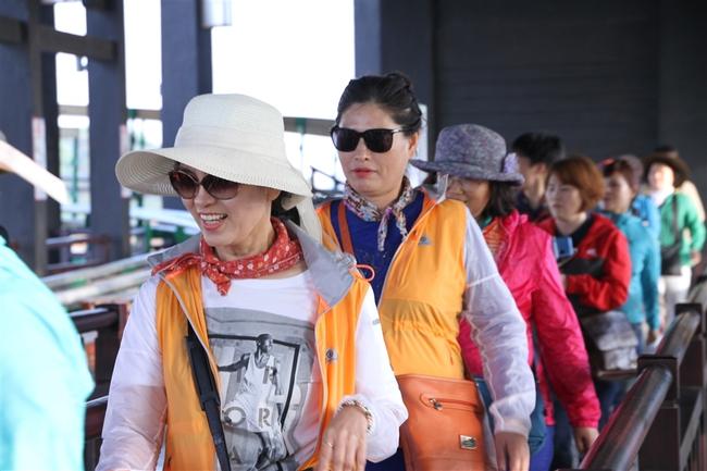 Giải mã cơn sốt công viên giải trí Sun World Ha Long Park - Ảnh 2.