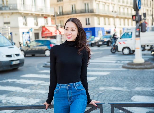 Ngọc Trinh khoe vẻ đẹp năng động, tươi vui hết cỡ trên đường phố Paris - Ảnh 12.