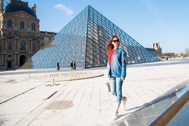 Ngọc Trinh khoe vẻ đẹp năng động, tươi vui hết cỡ trên đường phố Paris - Ảnh 2.