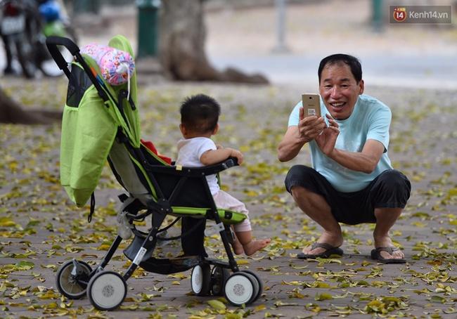 Cuối tuần, chị em áo dài váy hoa kéo nhau đi pose ảnh ở con đường lá vàng Phan Đình Phùng - Ảnh 5.
