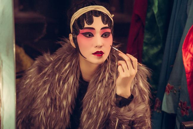 Khánh My hóa trang, hát kinh kịch như đúng rồi trong phim điện ảnh Hoa ngữ - Ảnh 6.