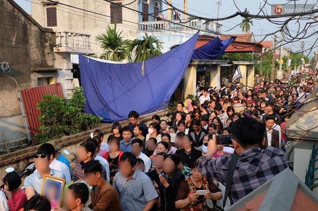 Người thân ở quê nhà đau đớn đón thi thể bé gái người Việt bị sát hại ở Nhật - Ảnh 5.