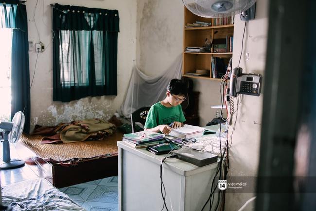 Cậu bé Việt chinh phục 8.5 IELTS: Không đến trường học từ năm lớp 6, rèn tiếng Anh bằng cách xem TV - Ảnh 7.