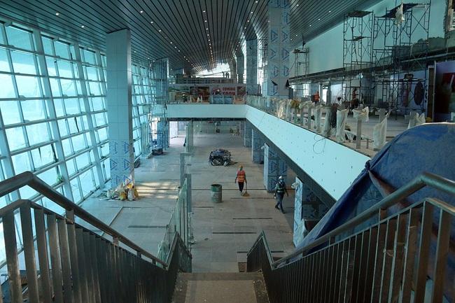 Cận cảnh nhà ga hành khách quốc tế hơn 3.500 tỷ đồng sắp hoàn thành ở Đà Nẵng - Ảnh 4.