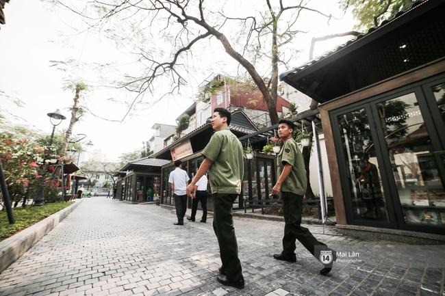 Bãi đỗ xe ồn ã một thời lột xác thành phố sách đầu tiên tuyệt đẹp ngay giữa trung tâm Hà Nội - Ảnh 11.
