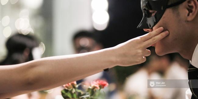 Blind Date - Love At No Sight: Khi những cuộc hẹn hò giấu mặt trong phim bước ra ngoài đời thực - Ảnh 11.