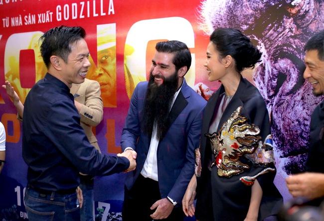 Kathy Uyên: Đạo diễn Kong: Skull Island tự đặt vé máy bay, bỏ tiền túi tổ chức sự kiện ở Việt Nam - Ảnh 2.
