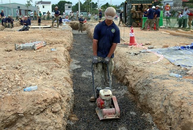 Hải quân Mỹ - Nhật dầm mình trong nắng, góp 1.500 ngày công để xây trường mầm non cho trẻ em Đà Nẵng - Ảnh 8.