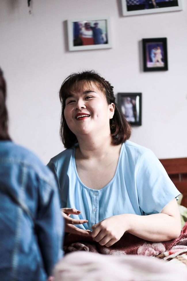 Từ câu chuyện bị đuổi diễn, sống khép mình vì béo đến quyết định cắt mỡ bụng giảm 40kg của Ngô Thủy Tiên! - ảnh 8