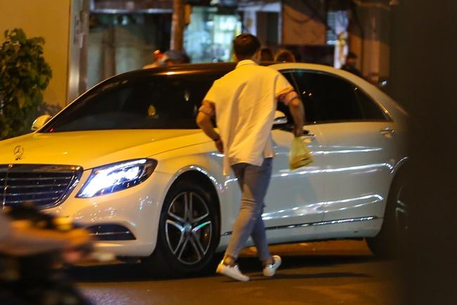 Bắt gặp Trấn Thành và Hari Won bị hỏng xe giữa đường lúc nửa đêm - Ảnh 3.