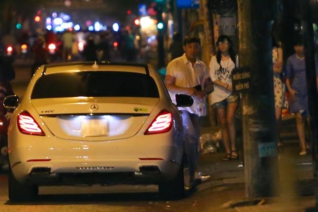 Bắt gặp Trấn Thành và Hari Won bị hỏng xe giữa đường lúc nửa đêm - Ảnh 5.