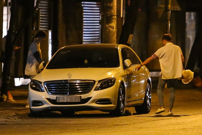 Bắt gặp Trấn Thành và Hari Won bị hỏng xe giữa đường lúc nửa đêm - Ảnh 6.