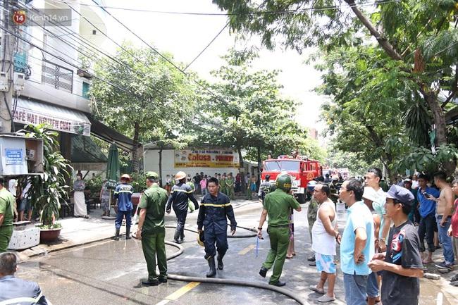 Cháy lớn tại Đà Nẵng, hàng xóm mượn quần áo cho bé gái lớp 4 đi thi
