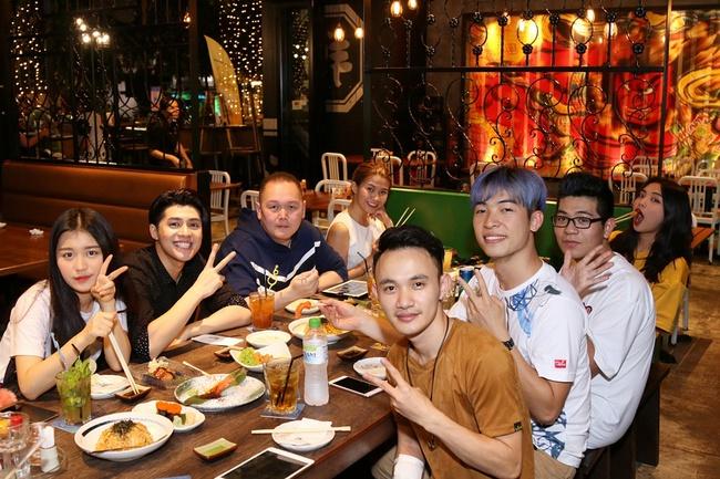 Đưa ekip tận 26 người sang Malaysia, Vpop chắc ít người dám chịu chơi như Noo Phước Thịnh - Ảnh 5.