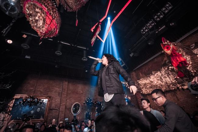Tóc Tiên, Soobin Hoàng Sơn quẩy tung nightclub Hà Nội đêm cuối tuần - Ảnh 2.