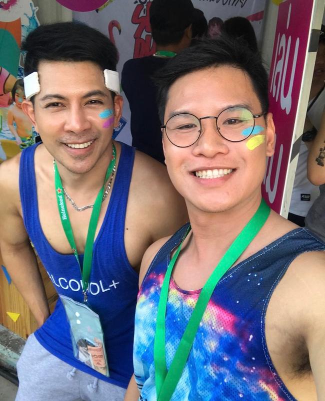 Ngắm mãi không hết trai xinh gái đẹp tại lễ hội té nước Songkran ở Bangkok! - Ảnh 14.