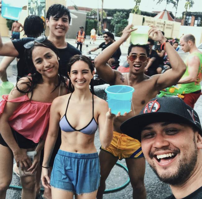 Ngắm mãi không hết trai xinh gái đẹp tại lễ hội té nước Songkran ở Bangkok! - Ảnh 22.