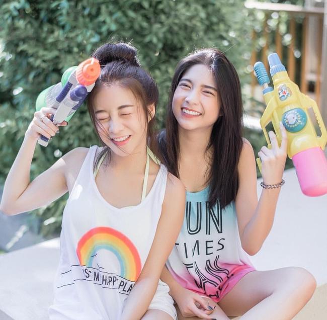 Ngắm mãi không hết trai xinh gái đẹp tại lễ hội té nước Songkran ở Bangkok! - Ảnh 2.