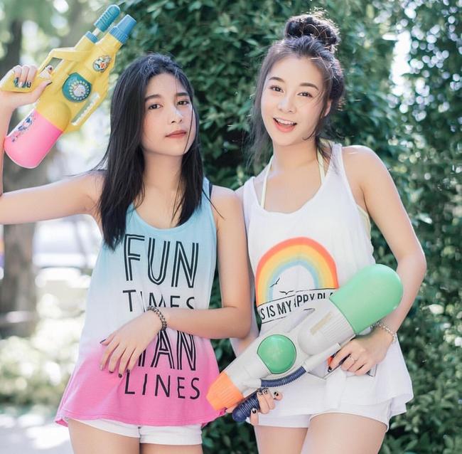 Ngắm mãi không hết trai xinh gái đẹp tại lễ hội té nước Songkran ở Bangkok! - Ảnh 1.