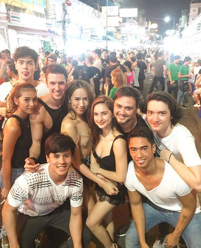 Ngắm mãi không hết trai xinh gái đẹp tại lễ hội té nước Songkran ở Bangkok! - Ảnh 7.