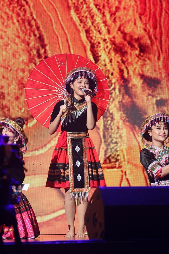 Noo Phước Thịnh khiến khán giả Việt nở mày nở mặt với phần biểu diễn tại Influence Asia 2017 - Ảnh 10.