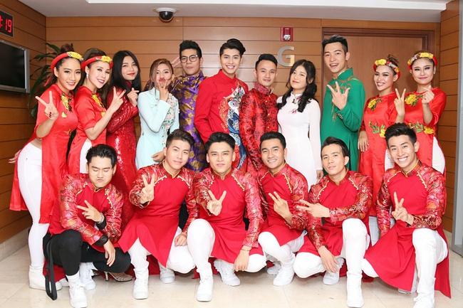 Đưa ekip tận 26 người sang Malaysia, Vpop chắc ít người dám chịu chơi như Noo Phước Thịnh - Ảnh 2.