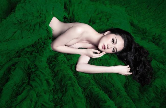 Thiều Bảo Trang táo bạo bán nude quảng bá cho single mới - Ảnh 2.