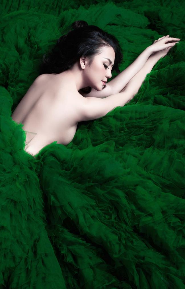Thiều Bảo Trang táo bạo bán nude quảng bá cho single mới - Ảnh 5.