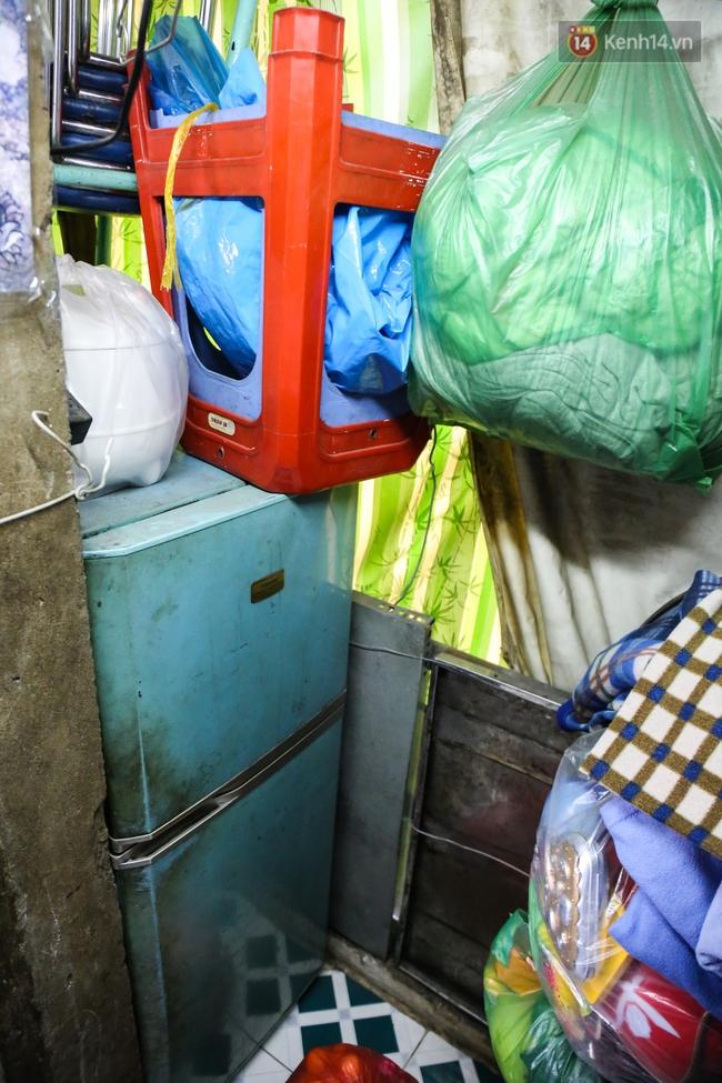 Cảnh sống ngột ngạt của hai mẹ con trong ngôi nhà 1m2 ở Sài Gòn, không nhà vệ sinh và nước sinh hoạt - Ảnh 11.