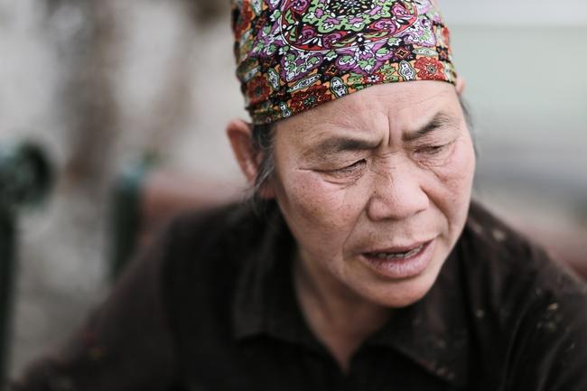 Hà Nội xuất hiện hiệp sĩ đường phố vặt mặt nhóm bán tăm lừa đảo tại Hồ Gươm