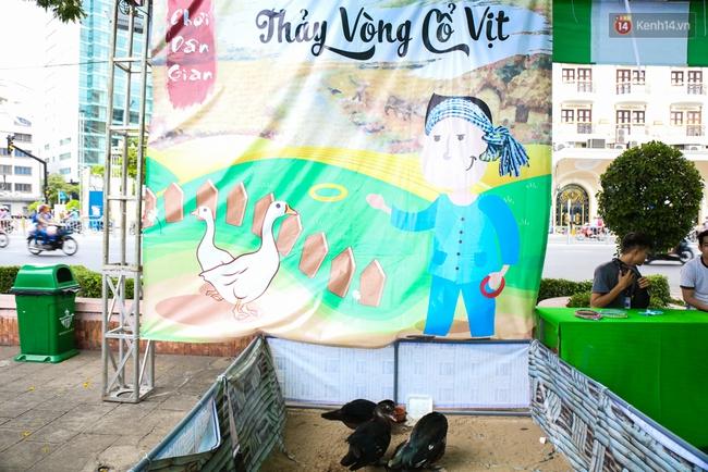 Trung tâm Sài Gòn chính thức khai trương khu phố bán hàng rong, khách đến nườm nượp - Ảnh 17.