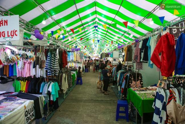 Trung tâm Sài Gòn chính thức khai trương khu phố bán hàng rong, khách đến nườm nượp - Ảnh 13.