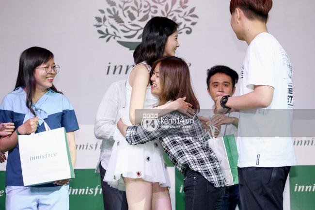 Clip: Fan Việt đồng thanh hát ca khúc debut của SNSD tặng Yoona - Ảnh 11.
