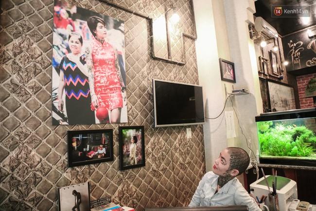 Cô gái cạo trọc và xăm kín đầu vì muốn lập kỉ lục người phụ nữ có nhiều hình xăm nhất Việt Nam - Ảnh 4.