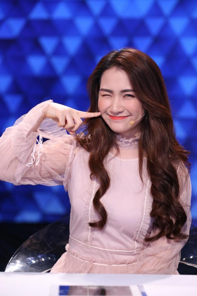 Hòa Minzy hú hét, phát cuồng vì trai cơ bắp trên truyền hình - Ảnh 7.
