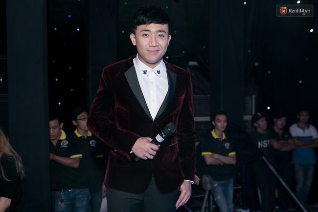 Hoài Linh, Trấn Thành cùng dàn sao Việt hào hứng tụ hội tại đám cưới khủng  - Ảnh 2.
