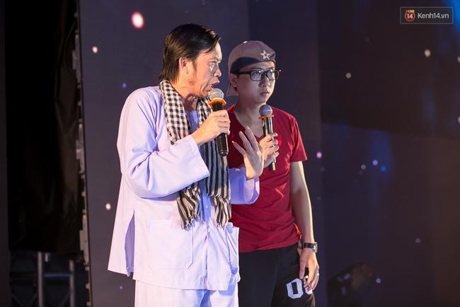 Hoài Linh, Trấn Thành cùng dàn sao Việt hào hứng tụ hội tại đám cưới khủng  - Ảnh 8.