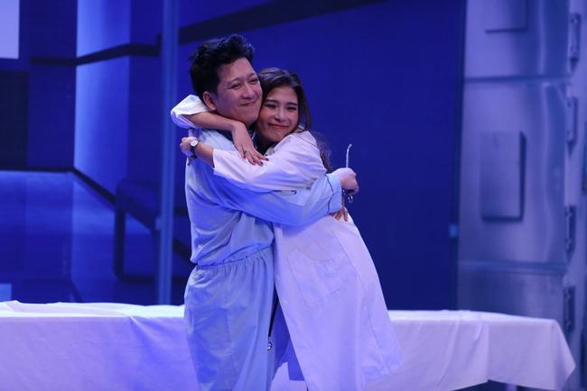 Jun 365 cởi áo ngay trên sân khấu Ơn giời - Ảnh 9.