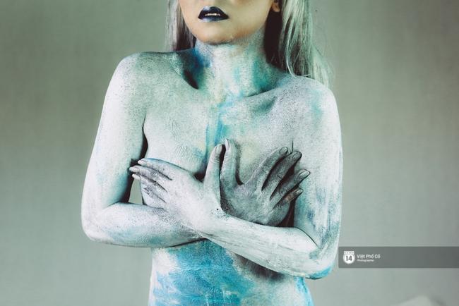 Hãy xem cách hoạ sĩ khuyết tật Lê Minh Châu vẽ body painting bằng miệng, bạn sẽ thấy không gì là không thể! - Ảnh 13.