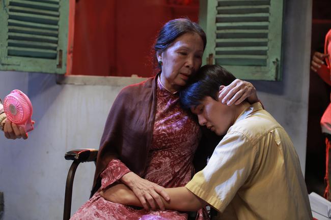 Những người mẹ này chính là bằng chứng sống cho tình thương con vô bờ trong phim Việt! - Ảnh 13.